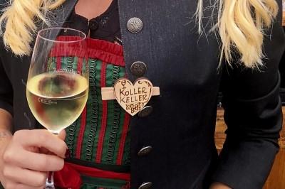 ein Weinkeller mit Herz